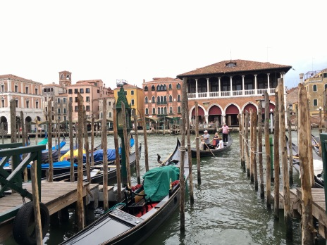 One of the most recommended activities in Venice: gondola ride